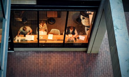 Mesurer les transformations numériques du travail : un défi pour la statistique publique