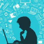 Face aux difficultés à utiliser les outils numériques, 36% des Français se tournent vers leurs proches