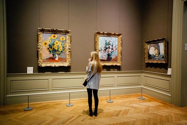 Le numérique dynamise la fréquentation des musées, expositions et monuments… sans élargir pour autant leur(s) public(s)