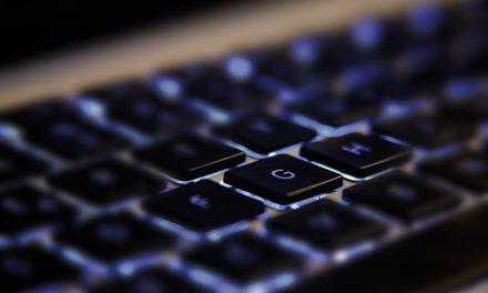 La vitesse de frappe sur écrans tactiles rattrape celle sur claviers physiques