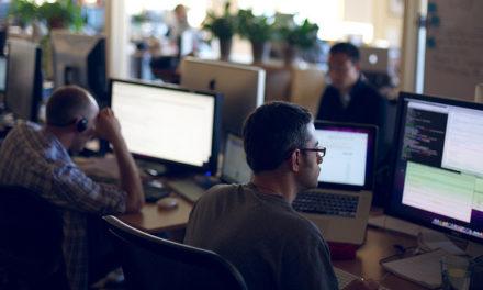 Moins les salariés sont connectés, moins ils ont de chance d'accéder à des formations au numérique